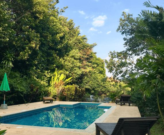 beach bungalow Thailand pool